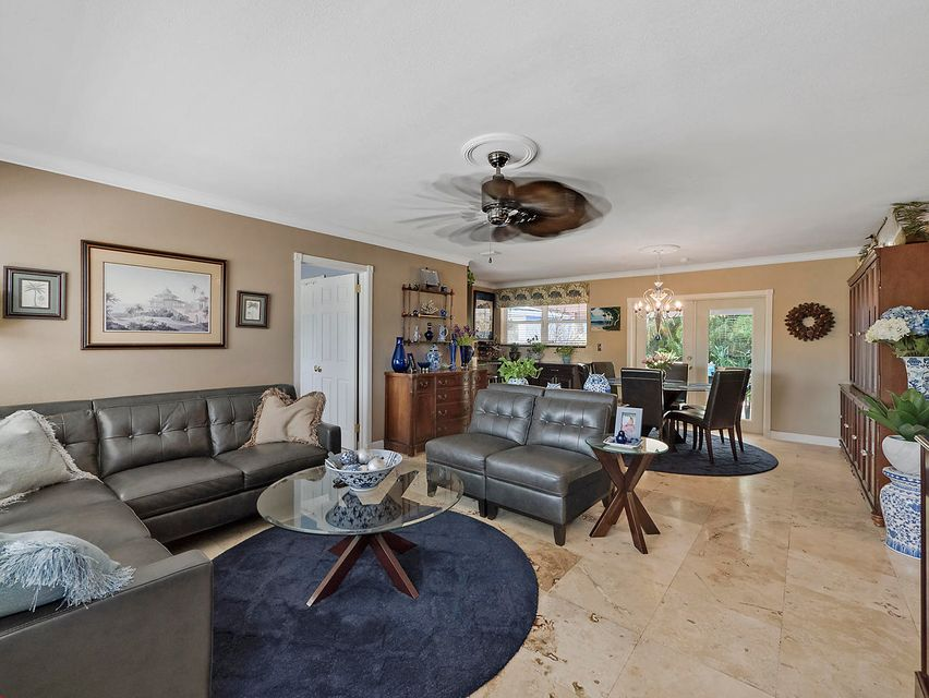 Additional photo for property listing at 651 Australian Circle  Lake Park, Florida 33403 United States