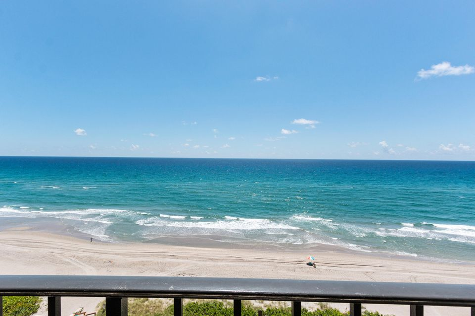Additional photo for property listing at 3115 S Ocean Boulevard 3115 S Ocean Boulevard Highland Beach, Florida 33487 United States