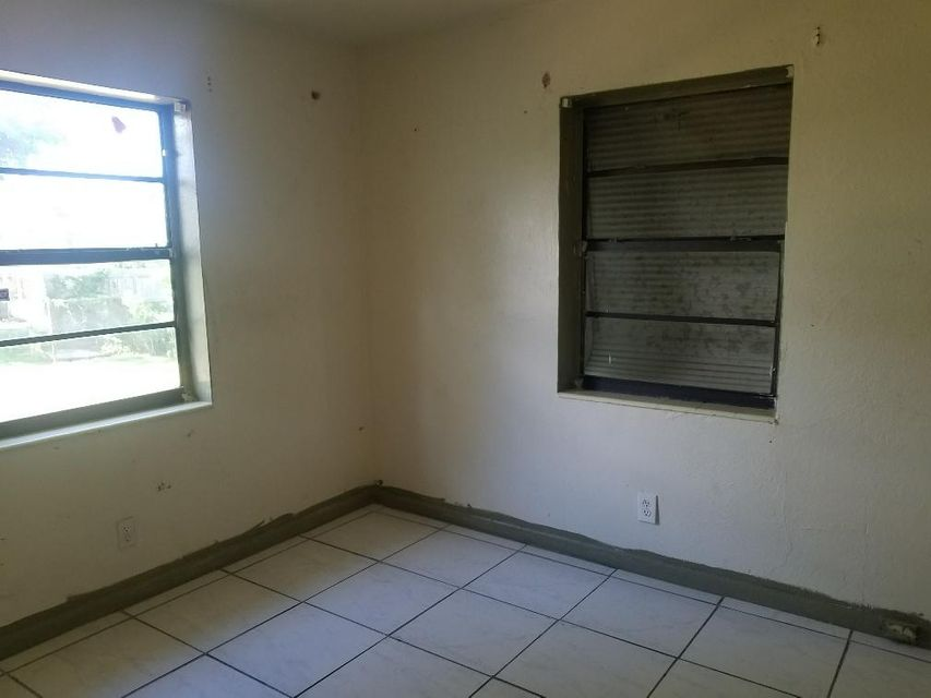 Additional photo for property listing at 411 NW 3rd Avenue 411 NW 3rd Avenue Boynton Beach, Florida 33435 Vereinigte Staaten