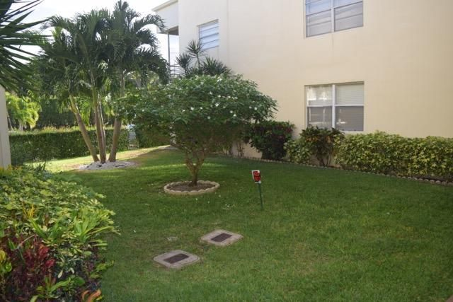 Additional photo for property listing at 549 Capri L  Delray Beach, Florida 33484 United States