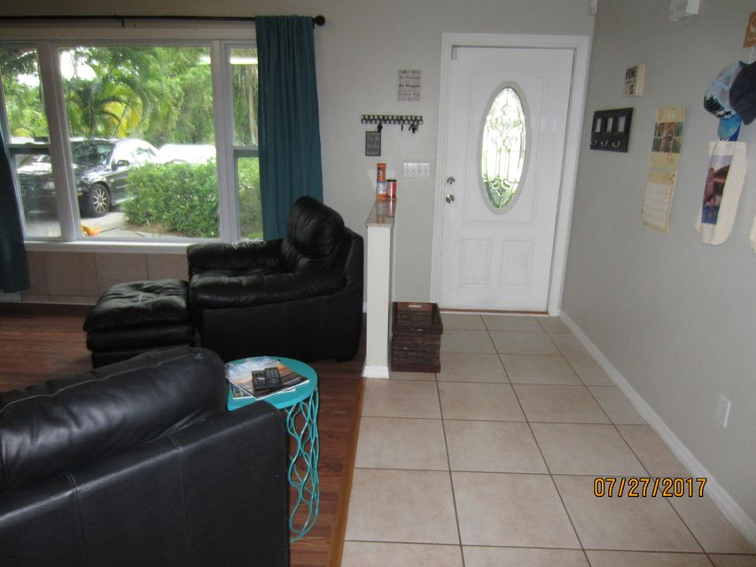 Additional photo for property listing at 7105 Pensacola Road 7105 Pensacola Road Fort Pierce, Florida 34951 Estados Unidos