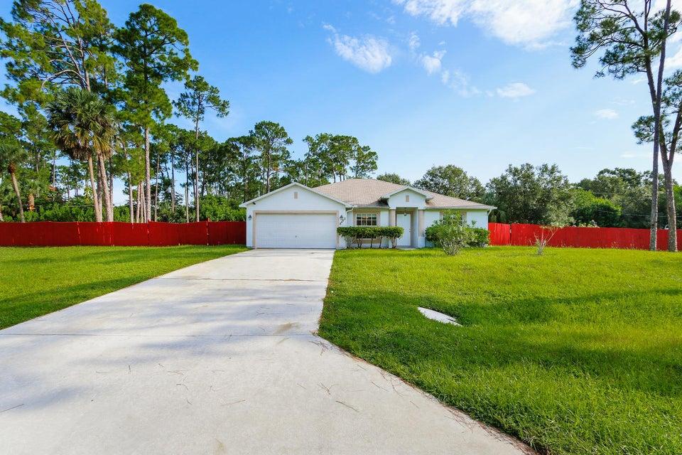 Maison unifamiliale pour l Vente à 8402 Bayard Road Fort Pierce, Florida 34951 États-Unis