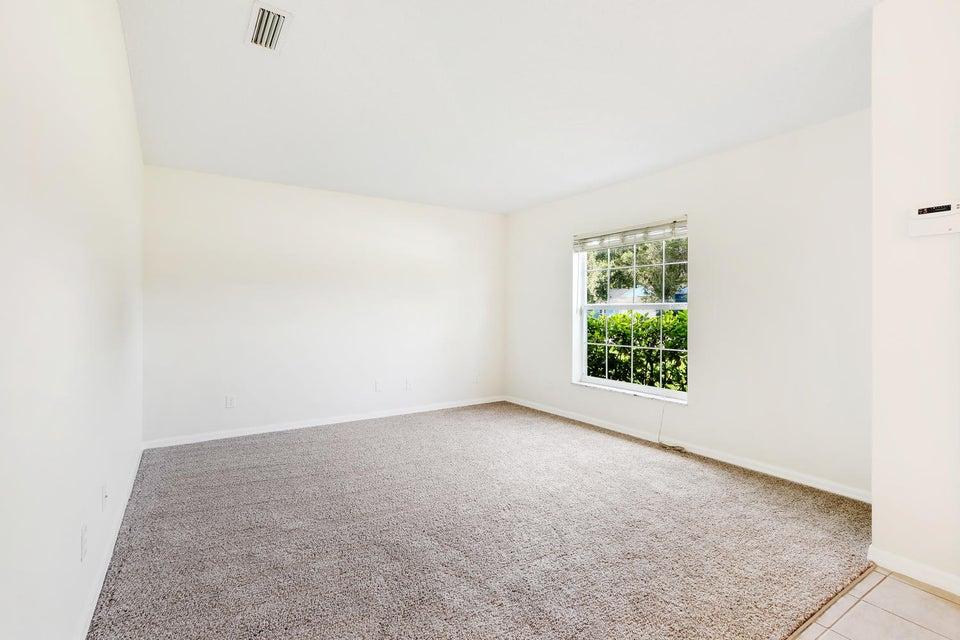 Additional photo for property listing at 8402 Bayard Road  Fort Pierce, Florida 34951 États-Unis