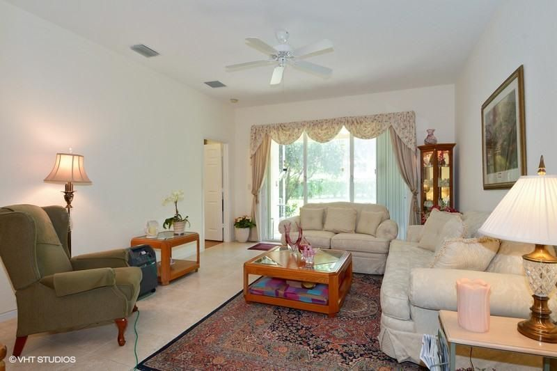 Additional photo for property listing at 2240 Sapphire Circle  西棕榈滩, 佛罗里达州 33411 美国