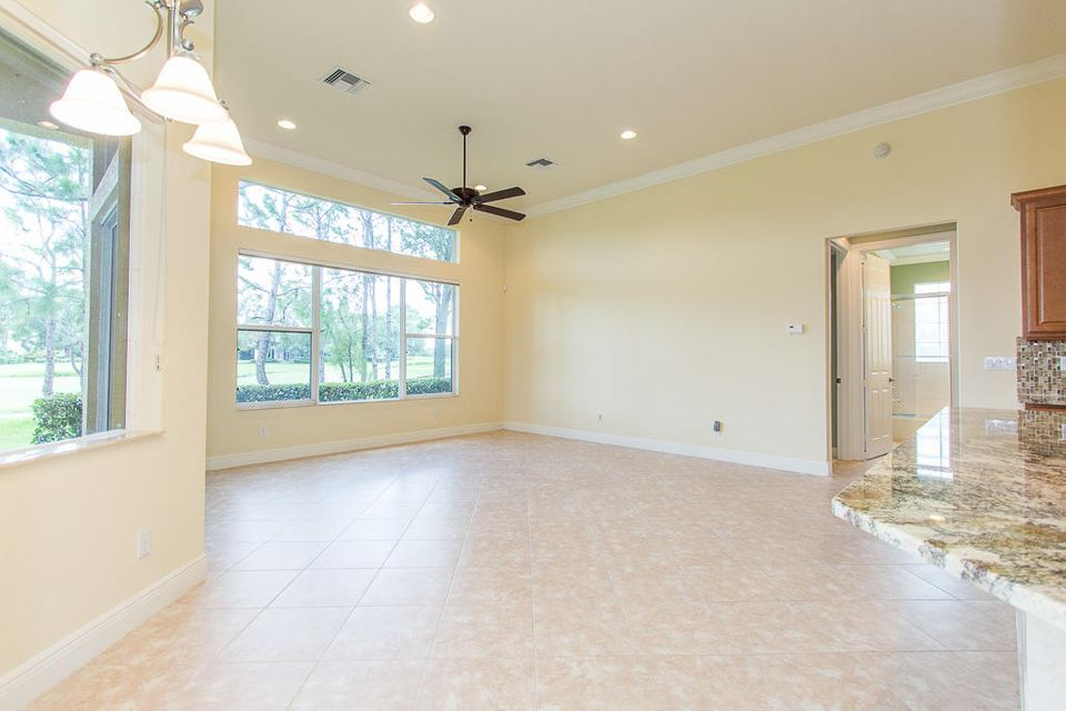 Additional photo for property listing at 9425 Briarcliff Trace 9425 Briarcliff Trace Port St. Lucie, Florida 34986 Vereinigte Staaten