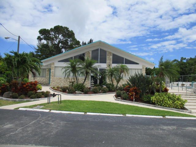 Additional photo for property listing at 2381 Sunset Avenue 2381 Sunset Avenue Lake Worth, 佛罗里达州 33461 美国