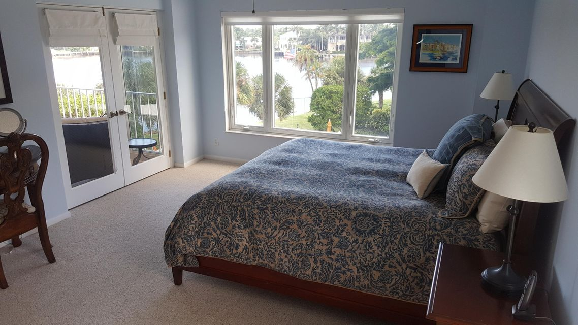 Additional photo for property listing at 555 SE 6th Avenue  Delray Beach, Florida 33483 United States