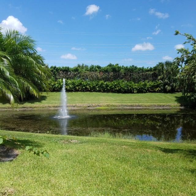 Villa pour l Vente à 2124 Wightman Drive Wellington, Florida 33414 États-Unis