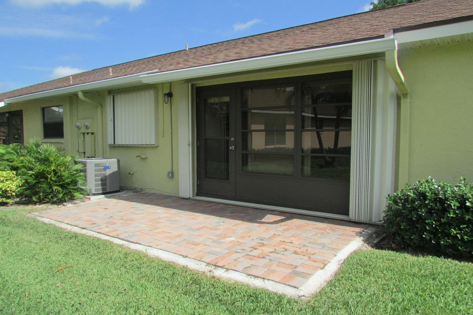 Additional photo for property listing at 9800 Tabebuia Tree Drive 9800 Tabebuia Tree Drive Boynton Beach, Florida 33436 États-Unis