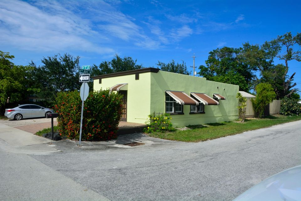 Single Family Home for Sale at 602 N F Street Lake Worth, Florida 33460 United States