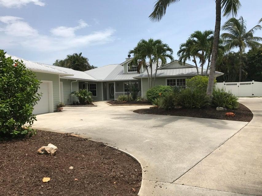 3681 SE Silver Court, Stuart, FL 34997