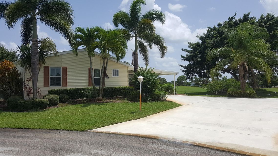Additional photo for property listing at 8133 9th Hole Drive 8133 9th Hole Drive Port St. Lucie, Florida 34952 États-Unis