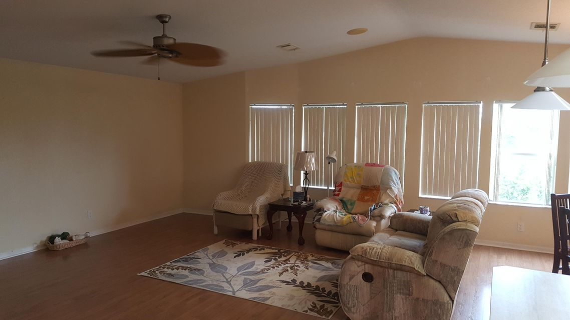Additional photo for property listing at 8133 9th Hole Drive  Port St. Lucie, Florida 34952 United States