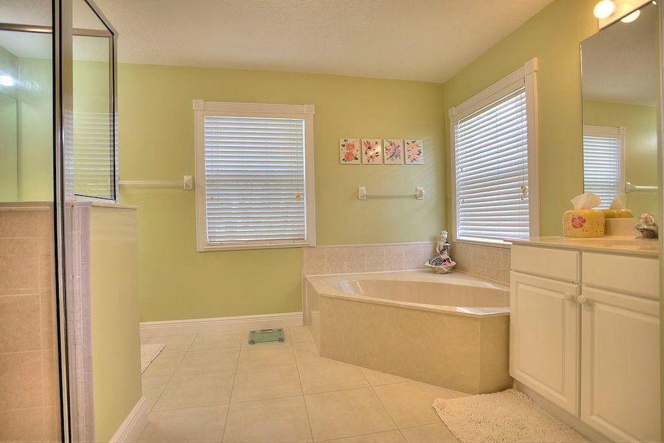 Additional photo for property listing at 5044 SW Landing Creek Drive  Palm City, Florida 34990 Estados Unidos