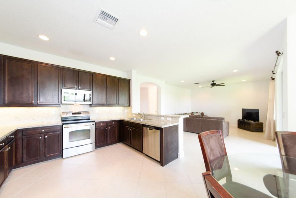 Additional photo for property listing at 8172 Cantabria Falls Drive 8172 Cantabria Falls Drive Boynton Beach, Florida 33473 Estados Unidos