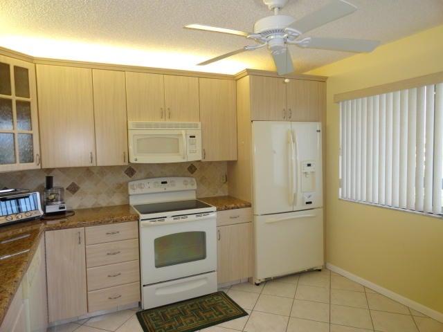 6698 N 10th Avenue N 407, Lake Worth, FL 33467