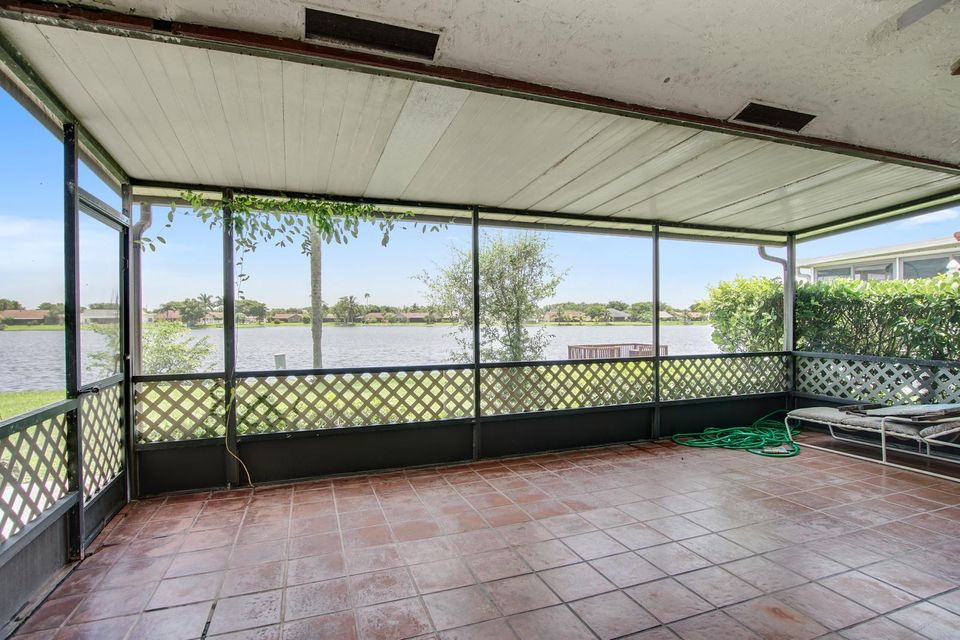 8337 Bonita Isle Drive  Lake Worth, FL 33467