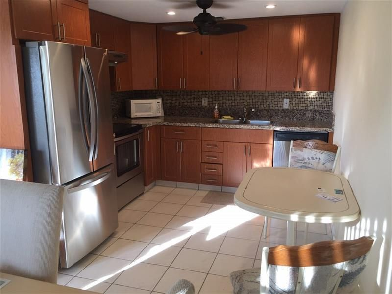 Co-op / Condo for Sale at 3016 Lincoln A Boca Raton, Florida 33434 United States