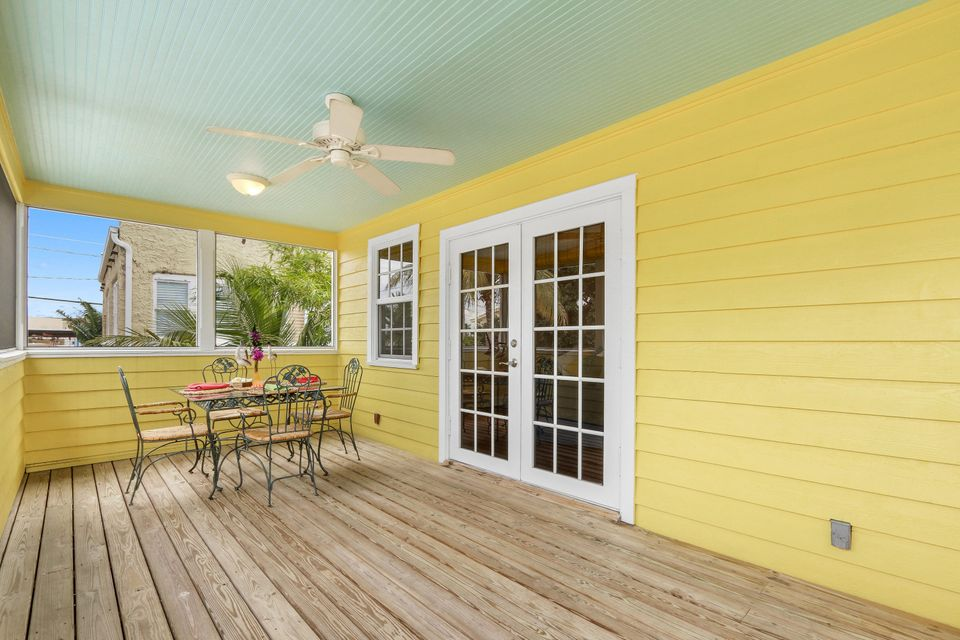 Additional photo for property listing at 404 SW Camden Avenue  Stuart, Florida 34994 États-Unis