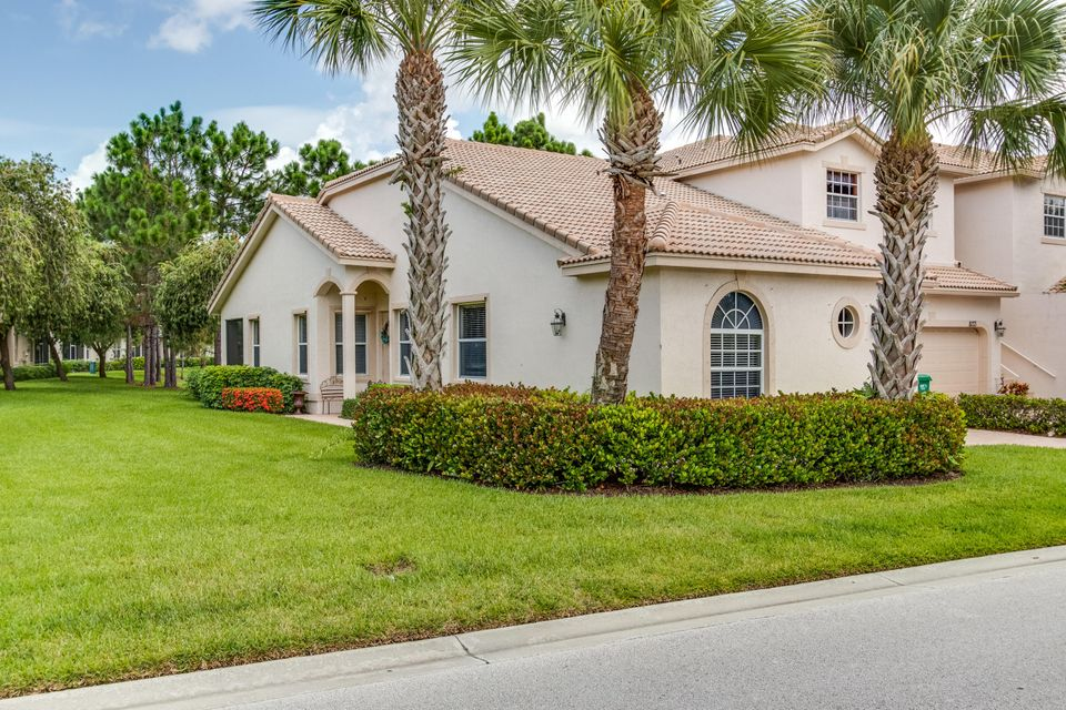 Additional photo for property listing at 8131 Mulligan Circle  Port St. Lucie, Florida 34986 Estados Unidos