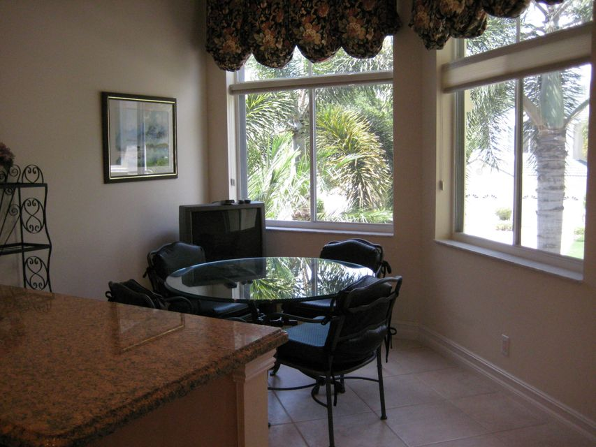 Additional photo for property listing at 121 Palm Point Circle 121 Palm Point Circle Palm Beach Gardens, Florida 33418 Estados Unidos