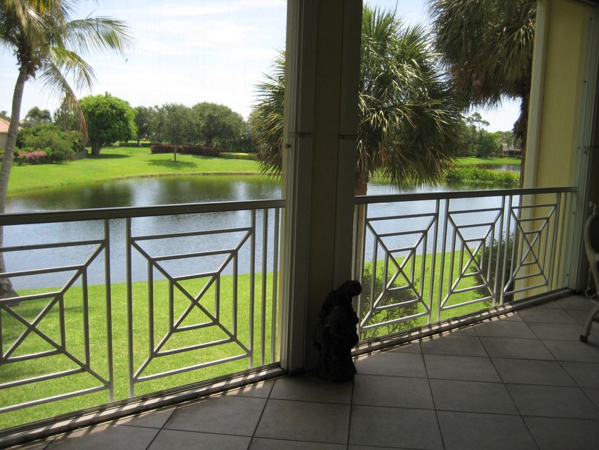 Additional photo for property listing at 121 Palm Point Circle 121 Palm Point Circle Palm Beach Gardens, Florida 33418 États-Unis