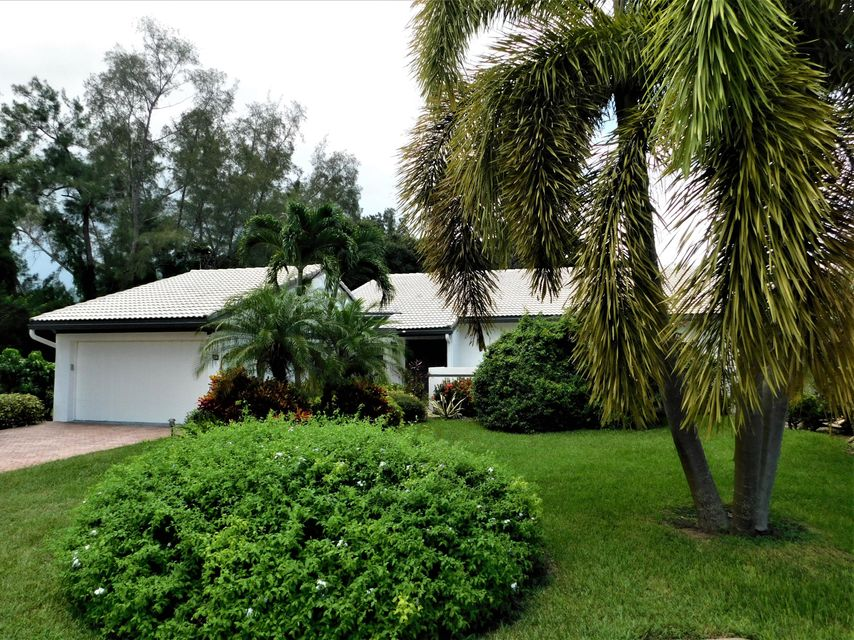Villa for Sale at 72 Cambridge Lane 72 Cambridge Lane Boynton Beach, Florida 33436 United States