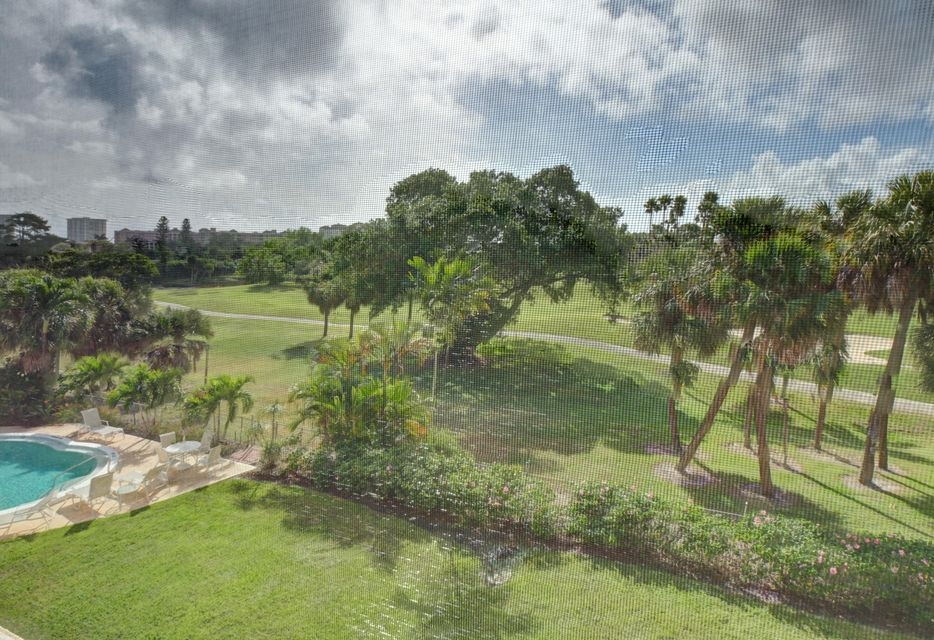 Additional photo for property listing at 300 E Royal Palm Road 300 E Royal Palm Road Boca Raton, Florida 33432 United States