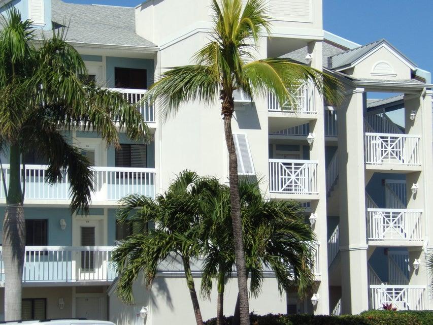 Co-op / Condo للـ Rent في 40 NE Plantation Road 40 NE Plantation Road Stuart, Florida 34996 United States