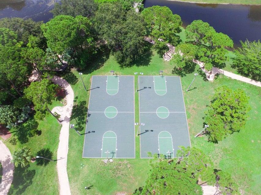 Additional photo for property listing at 2006 20th Lane  棕榈滩花园, 佛罗里达州 33418 美国