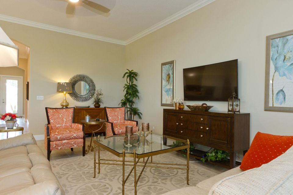 Additional photo for property listing at 380 11th Square SW  Vero Beach, Florida 32962 United States