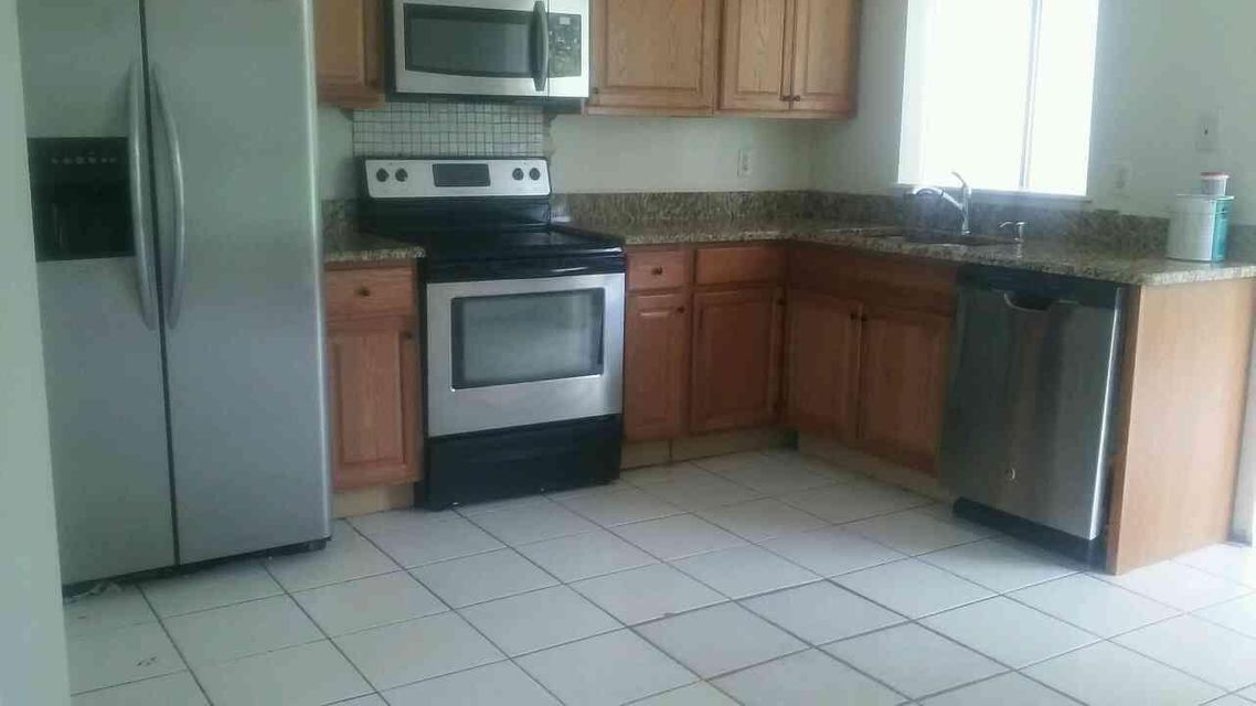 Additional photo for property listing at 349 SW Tulip Boulevard  Port St. Lucie, Florida 34953 Vereinigte Staaten