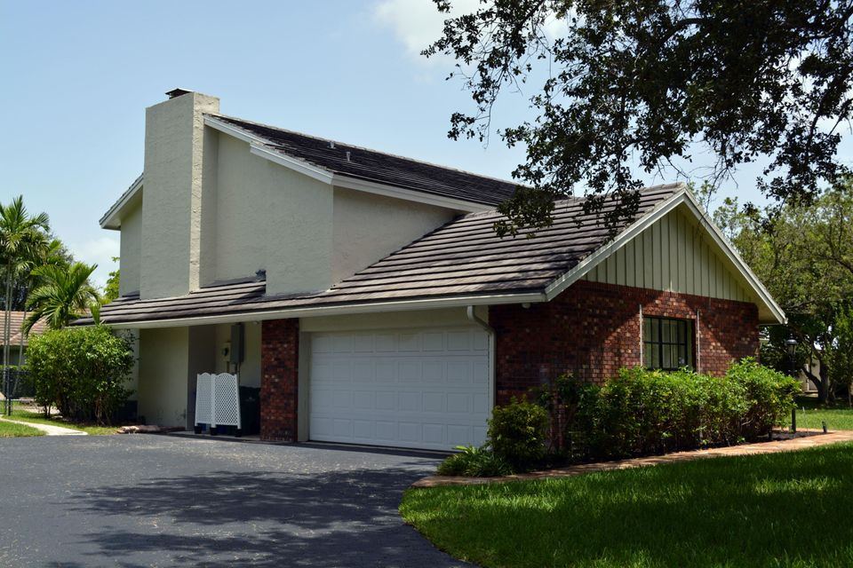 Additional photo for property listing at 407 NW 104th Avenue 407 NW 104th Avenue Coral Springs, 佛罗里达州 33071 美国