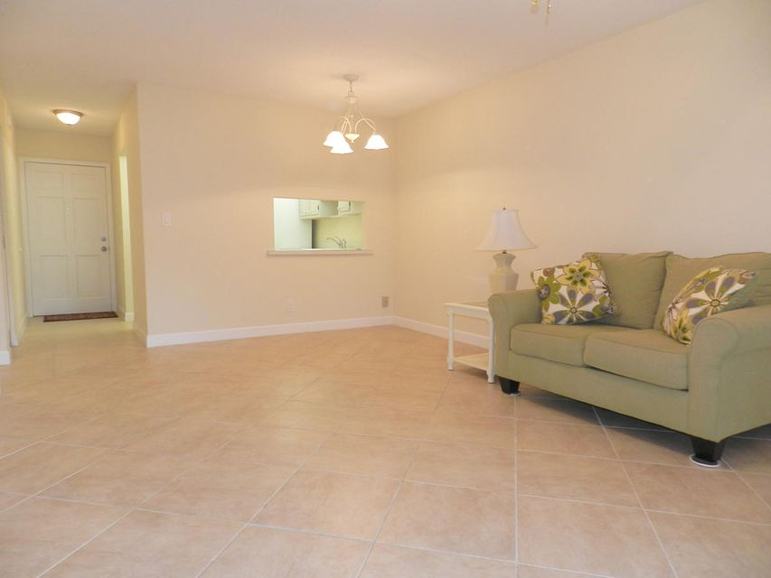 Additional photo for property listing at 2856 S Lake Clarke Gardens  Lake Worth, Florida 33461 Estados Unidos