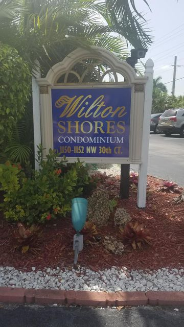 Cooperativa / condomínio para Venda às 1150 NW 30th Court Wilton Manors, Florida 33311 Estados Unidos