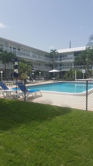 Additional photo for property listing at 1150 NW 30th Court 1150 NW 30th Court Wilton Manors, Florida 33311 États-Unis
