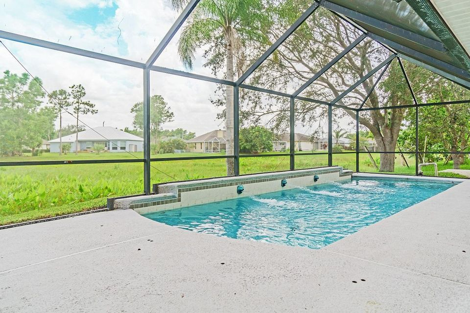 Additional photo for property listing at 4575 NW Gimlet Avenue  Port St. Lucie, Florida 34953 Vereinigte Staaten
