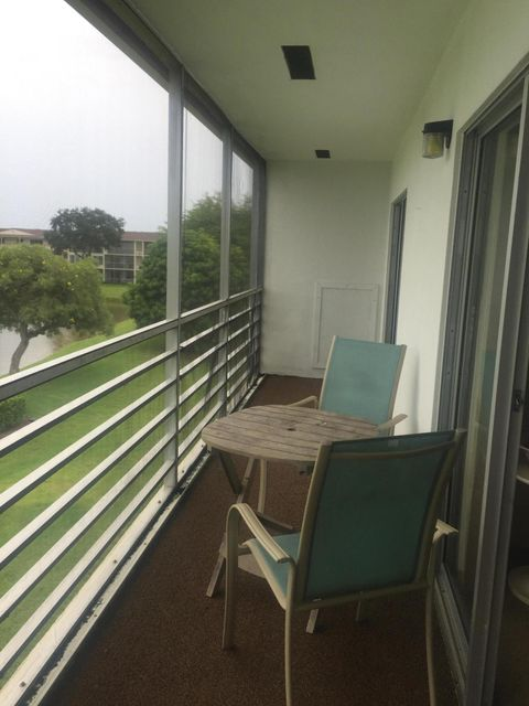 Additional photo for property listing at 329 Preston H 329 Preston H Boca Raton, Florida 33434 United States