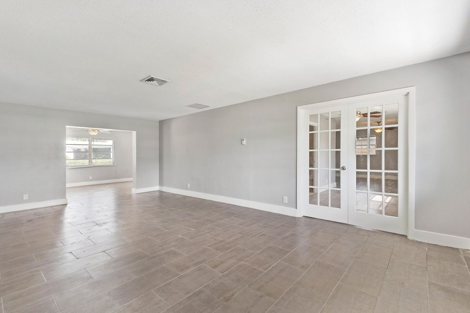 Additional photo for property listing at 2301 Edgewater Drive  West Palm Beach, Florida 33406 Vereinigte Staaten