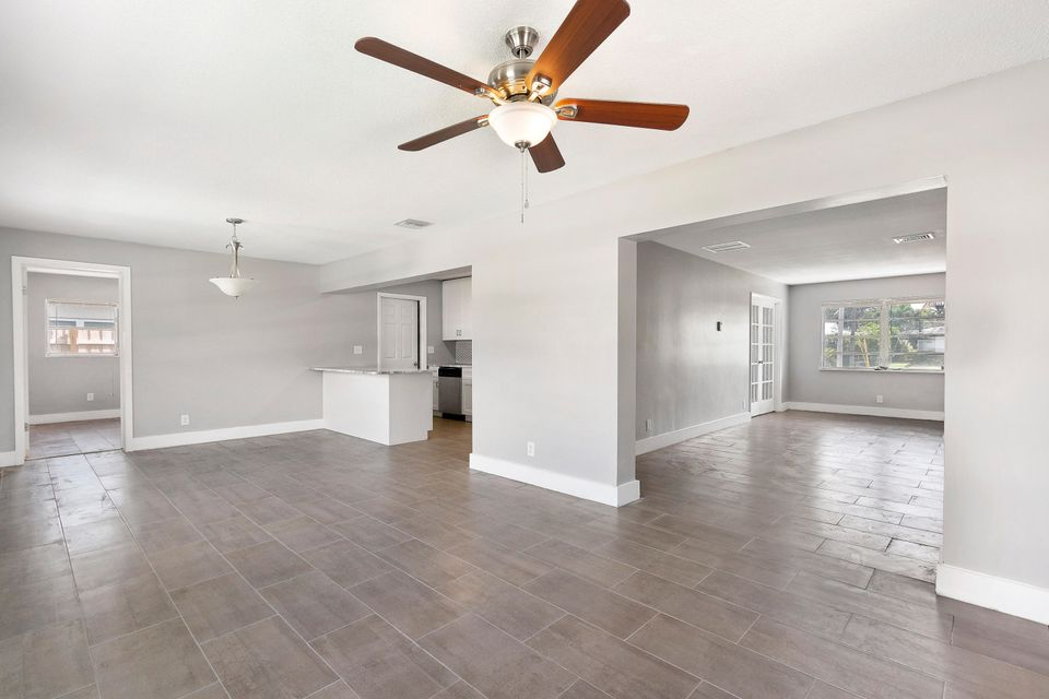 Additional photo for property listing at 2301 Edgewater Drive  West Palm Beach, Florida 33406 United States