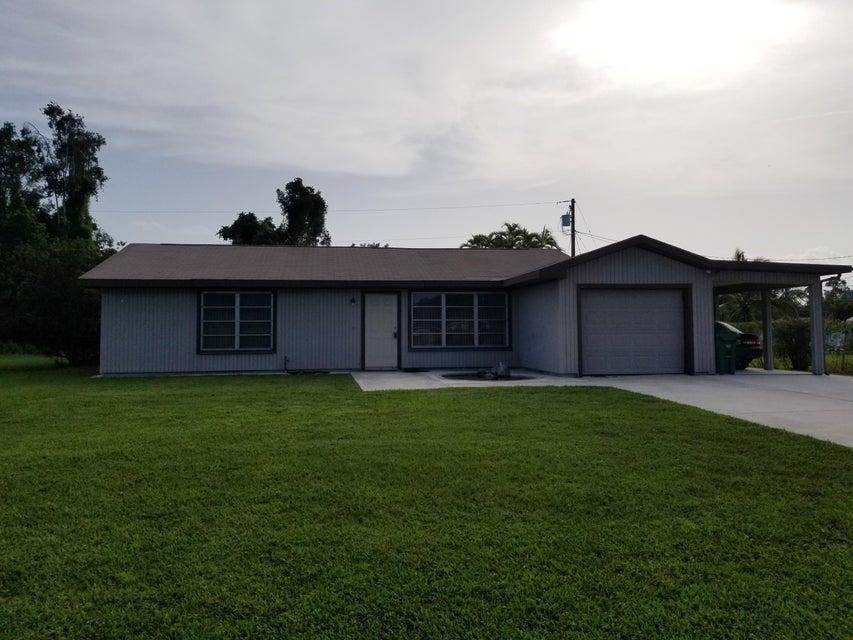 独户住宅 为 销售 在 2318 SE Shelter Drive 圣露西港, 佛罗里达州 34952 美国