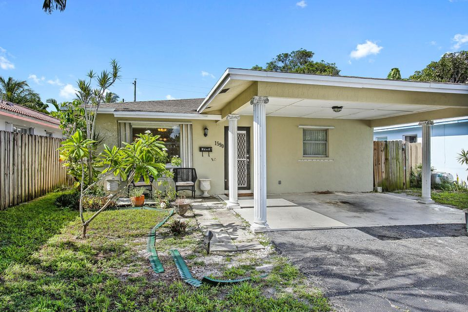 Additional photo for property listing at 1590 NE 35th Street 1590 NE 35th Street Oakland Park, Florida 33334 États-Unis