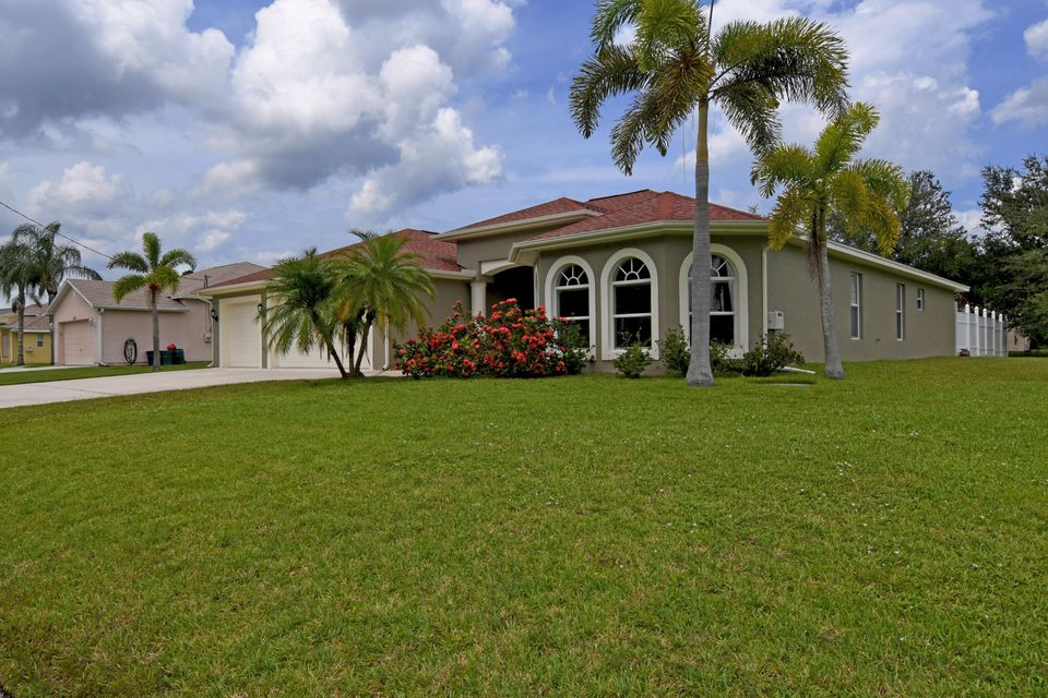 Additional photo for property listing at 5166 NW Rugby Drive  Port St. Lucie, Florida 34983 United States