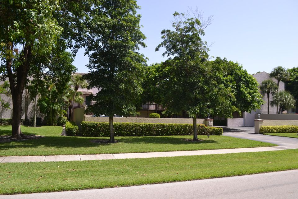 Townhouse for Sale at 149 NW 70th Street Boca Raton, Florida 33487 United States