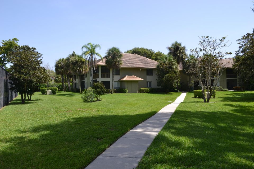 Additional photo for property listing at 149 NW 70th Street 149 NW 70th Street Boca Raton, Florida 33487 United States