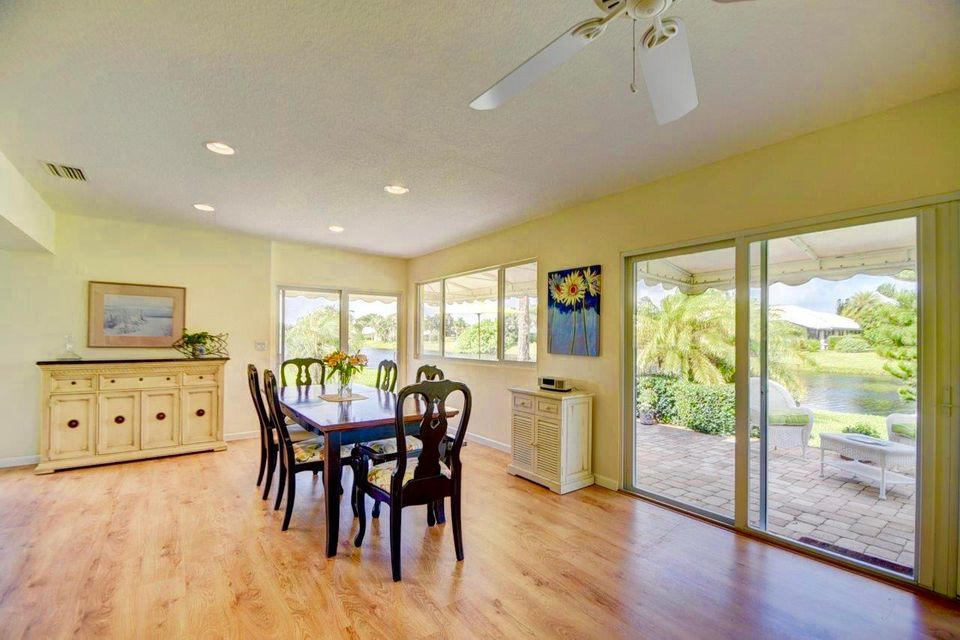 Additional photo for property listing at 7 Acacia Drive  Boynton Beach, Florida 33436 United States