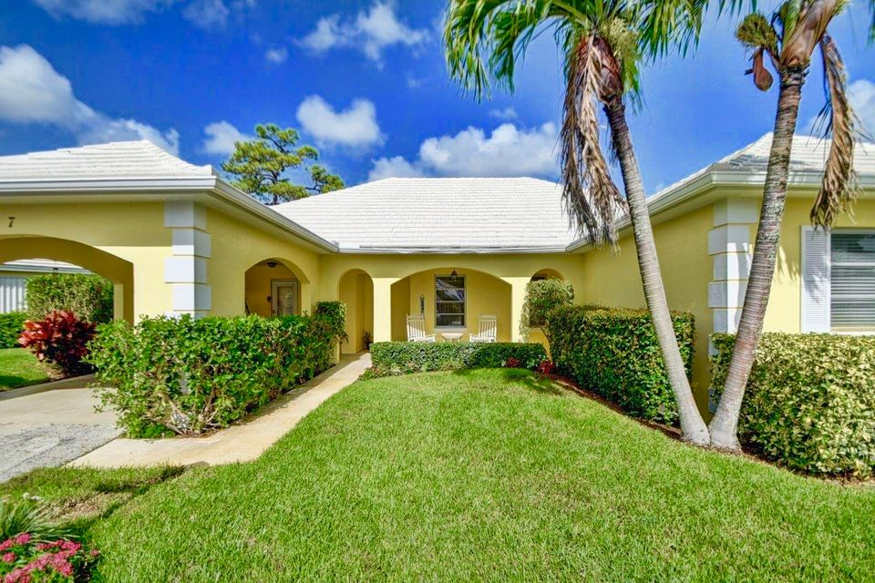 Villa for Sale at 7 Acacia Drive 7 Acacia Drive Boynton Beach, Florida 33436 United States