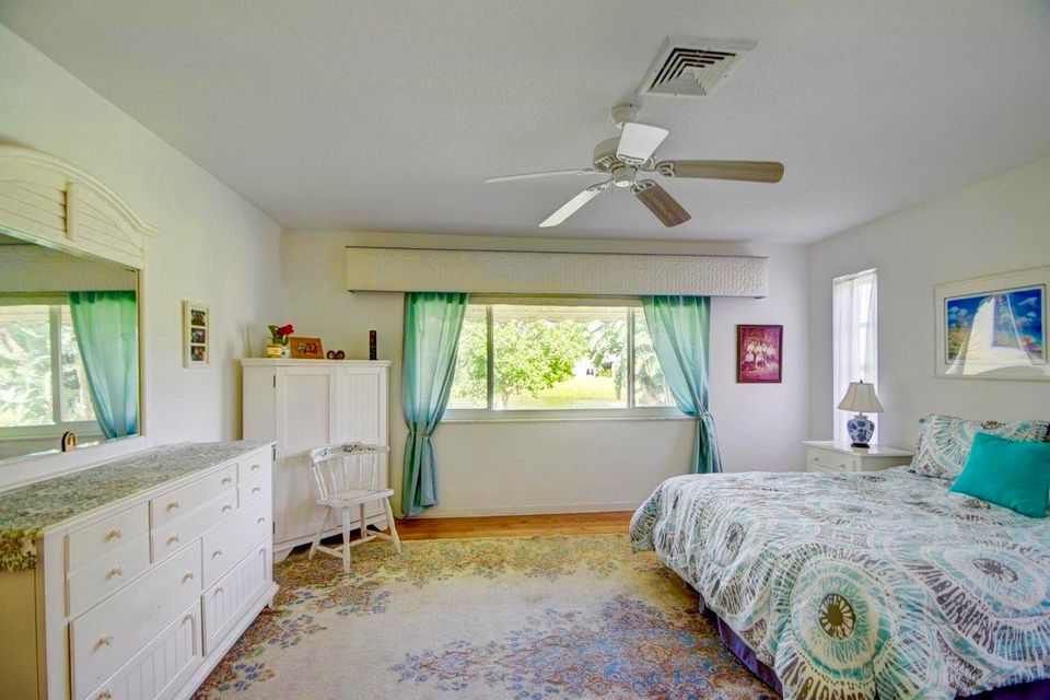 Additional photo for property listing at 7 Acacia Drive  Boynton Beach, Florida 33436 Estados Unidos