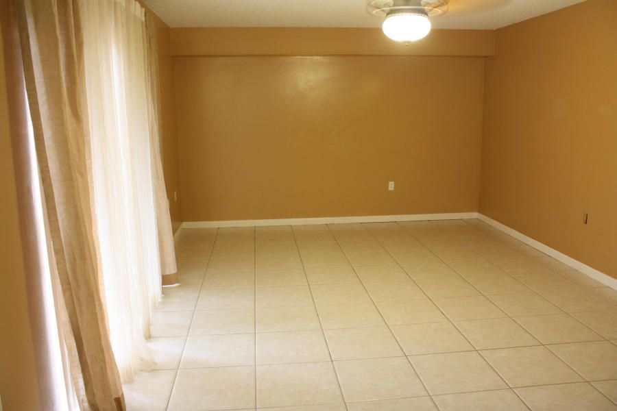 Additional photo for property listing at 1016 10th Way  West Palm Beach, Florida 33409 Estados Unidos