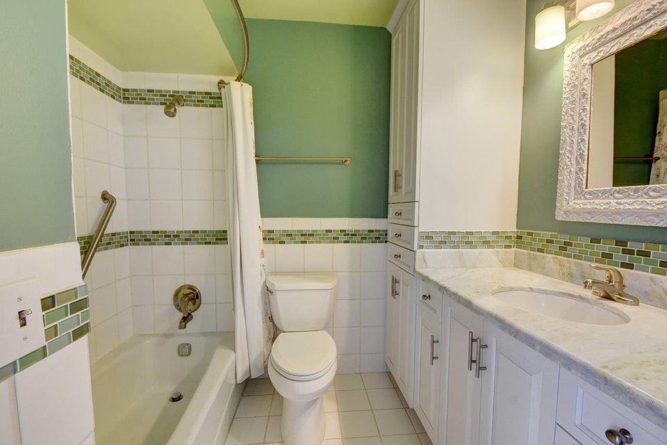 Additional photo for property listing at 3400 Lakeview Boulevard 3400 Lakeview Boulevard Delray Beach, Florida 33445 Estados Unidos